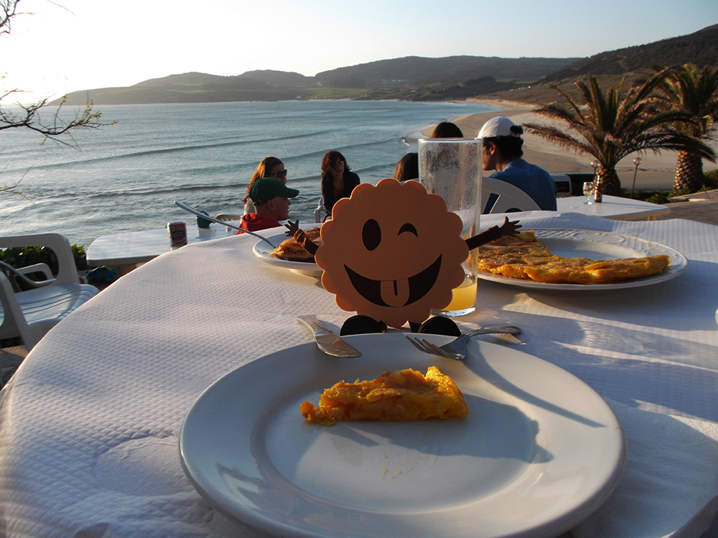 Cenando en la playa de Lires.