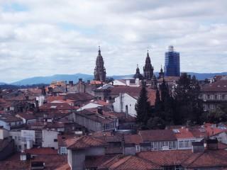 Compostela vista desde el Museo do Pobo Galego.