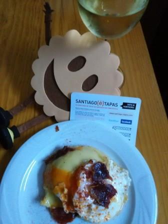Pastel de patata con huevo y crocante de jamón serrano , en el Bar Negreira 'O Patata'. Santiago(é)Tapas mola.