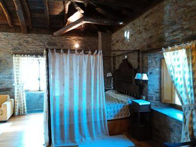 Una de las suites del Pazo de Santa María