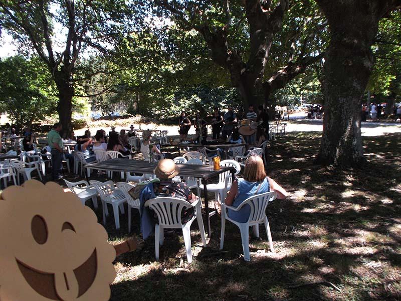 Comida al ritmo de las gaitas en el Festival Monterrosón