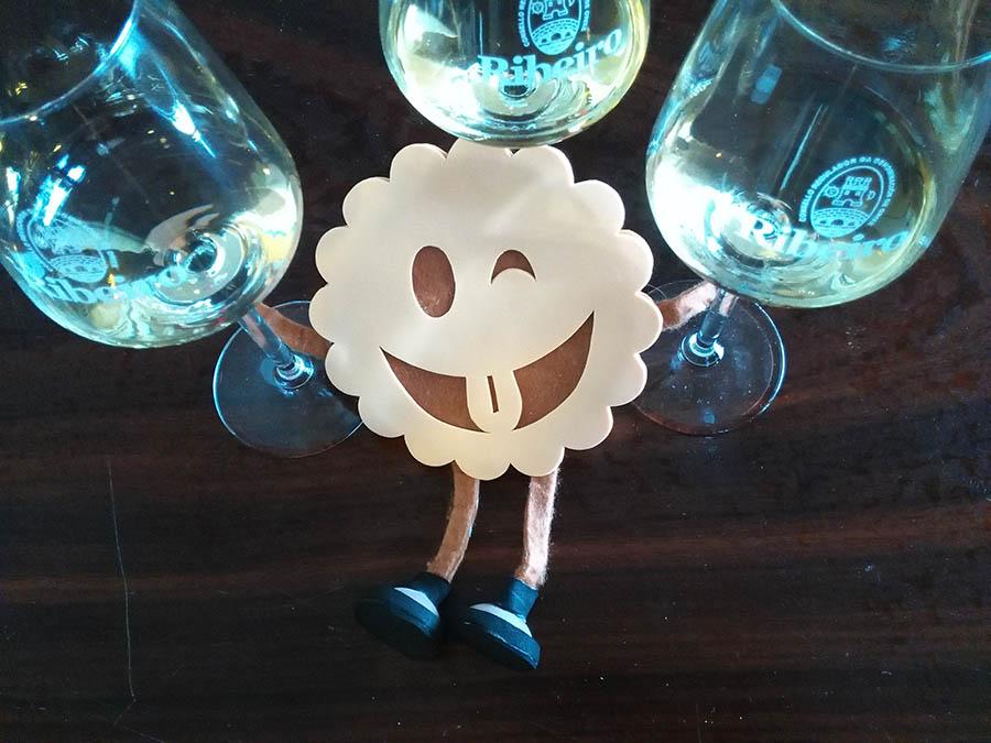 Catando vino Ribeiro en el Festival Son de viño