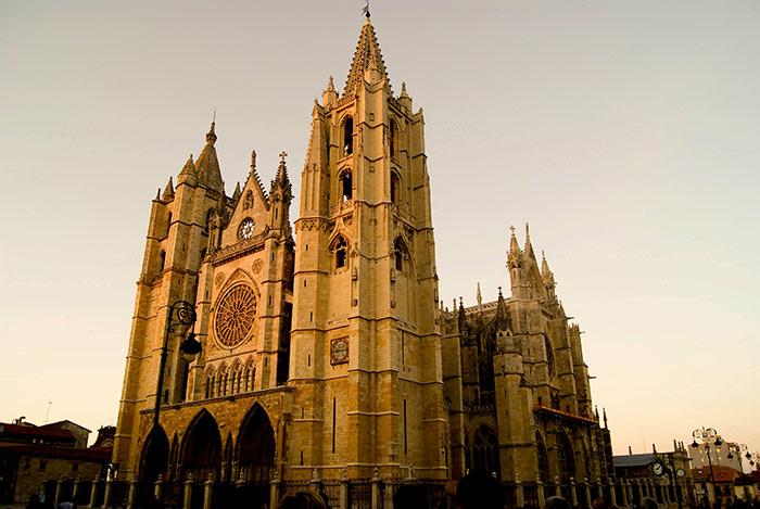 La catedral de León, de paseo por la ciudad, turismo musical (concierto de Morgan).